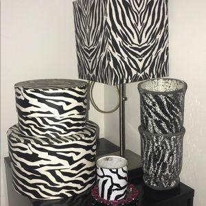 Zebra bedroom decor set